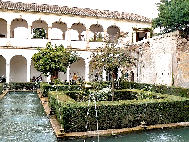 Use of water in the courtyards